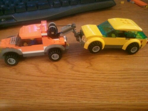 Lego 4207 Tow Truck Towing Wagon